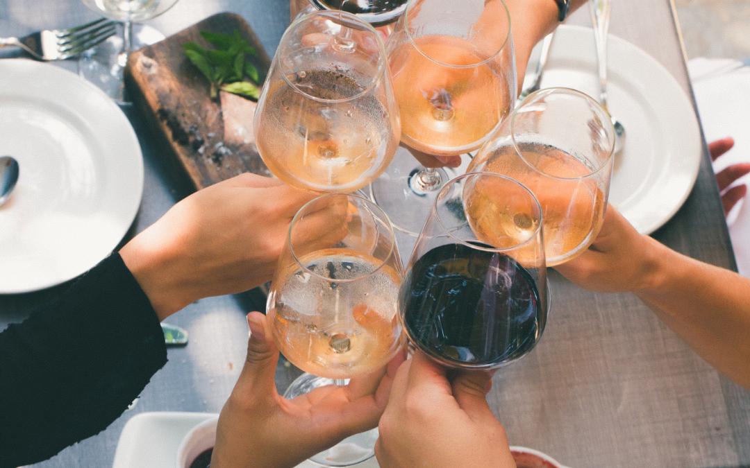 Los beneficios de tomar una copa de vino al día